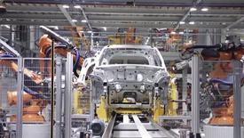 德国KUKA给宝马mini提供的高效自动化生产线实拍
