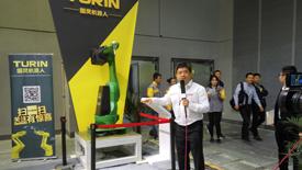 19届工博会:e-works采访图灵机器人销售总监袁生龙