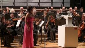 ABB机器人成指挥家,演绎经典歌剧